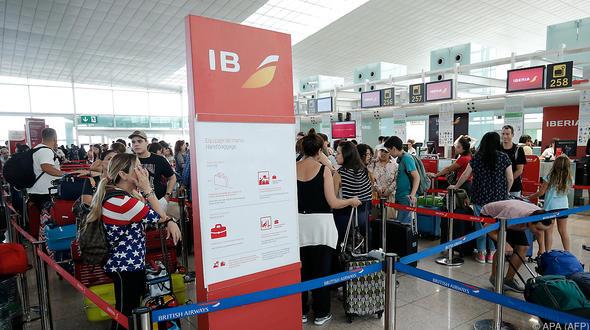 Chaos-Tag in Barcelona: Unwetter und Flughafen-Streik