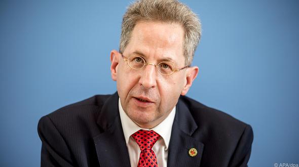 Seehofer schickt Maaßen in einstweiligen Ruhestand