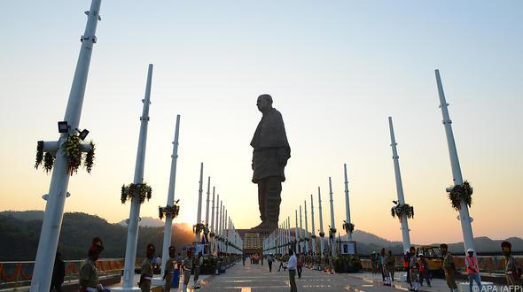 Meter: Höchste Statue der Welt eingeweiht