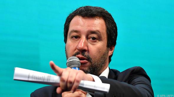 Italien weist weitere Rettungsschiffe mit Migranten ab