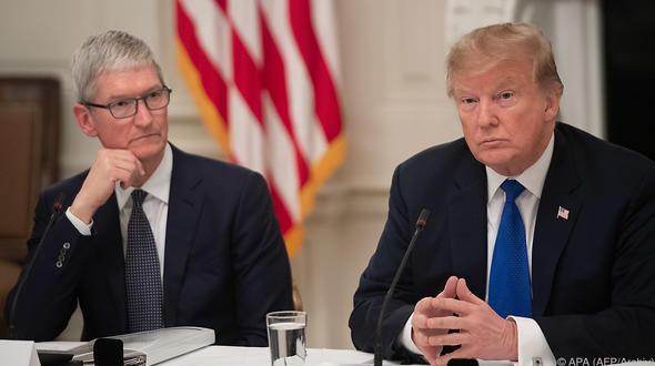 US-Präsident Donald Trump ist zuversichtlich dass Apple Boss Tim Cook investieren wird