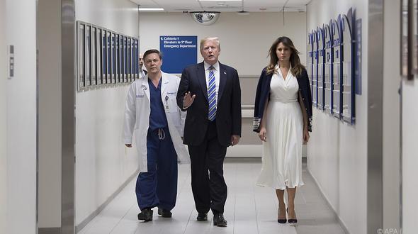 Krankenhausbesuche: Donald und Melania Trump besuchen Opfer des Amoklaufs