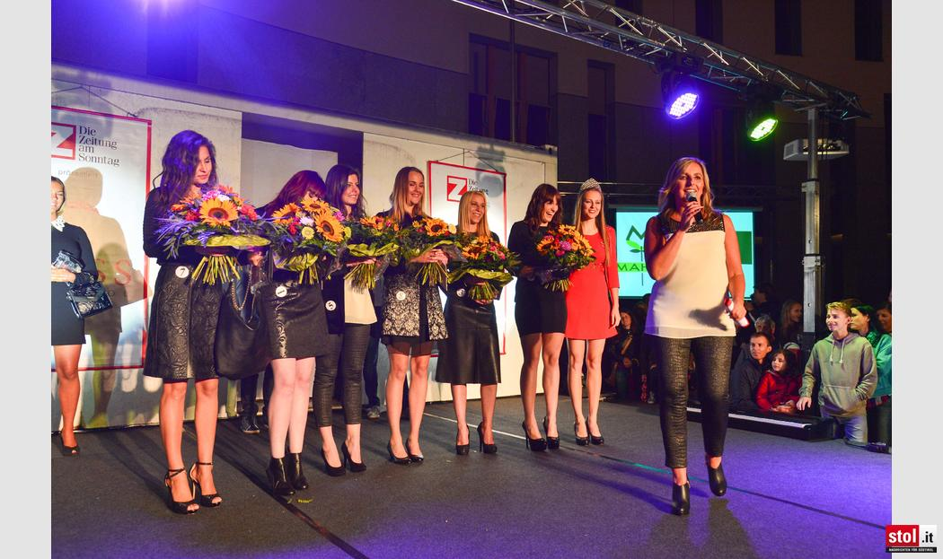 zett miss s dtirol 2015 vorwahl in bruneck. Black Bedroom Furniture Sets. Home Design Ideas