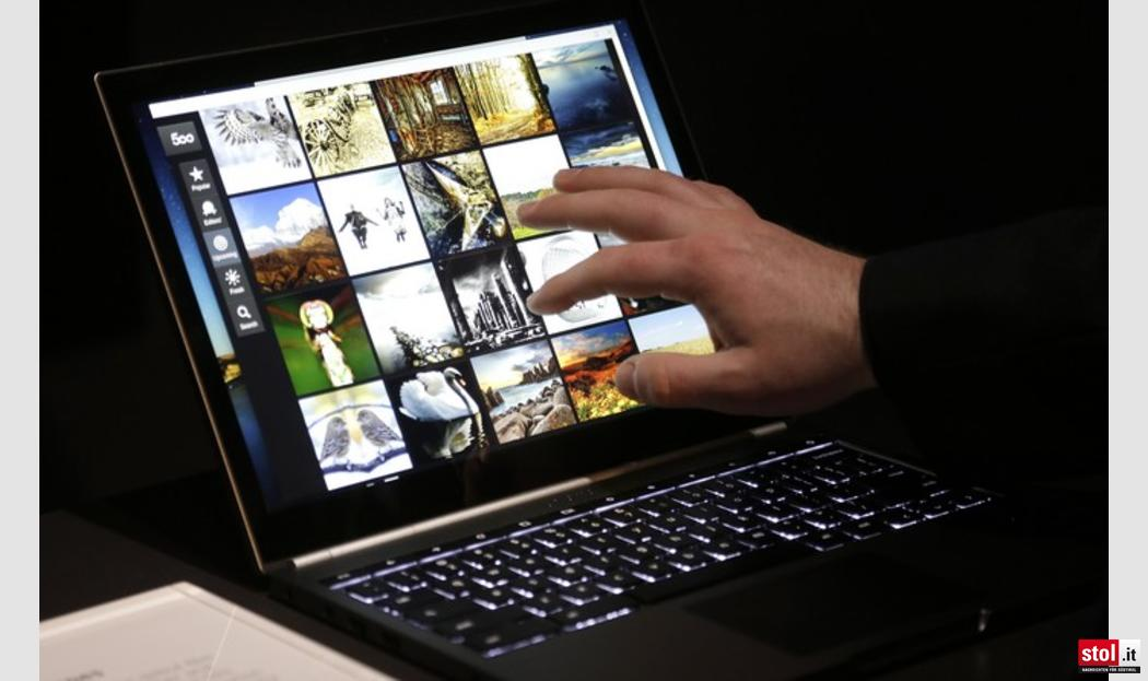 google stellt laptop mit touchscreen vor fotos ap 02. Black Bedroom Furniture Sets. Home Design Ideas