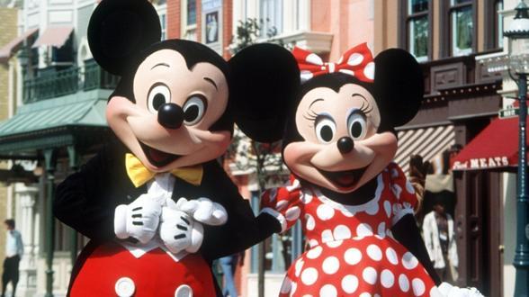 Minnie Mouse Stoel : Minnie mouse wird mit einem hollywood stern geehrt