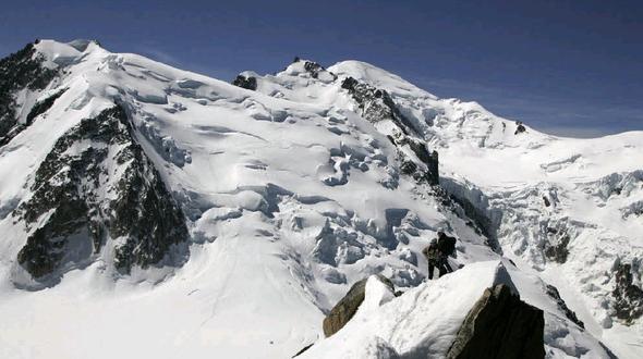 Zwei Bergsteiger im Mont- Blanc- Massiv erfroren