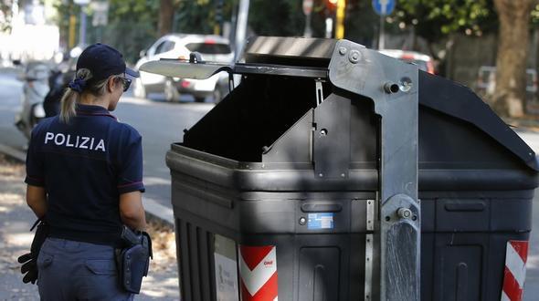 Rom: Frau entdeckte Beine im Müllcontainer