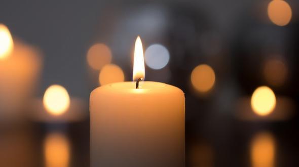 Auto landet in See: 17-Jährige stirbt