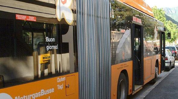 Jugendliche haben Sex im Bus