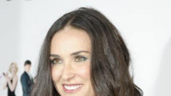 Demi Moore: Schneidezähne durch Stress verloren