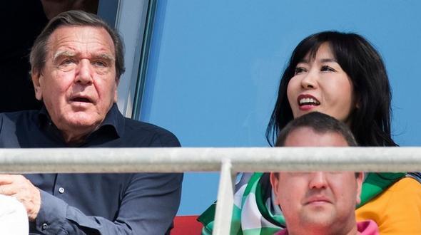 Schröder wird vom Ex-Mann seiner Freundin verklagt