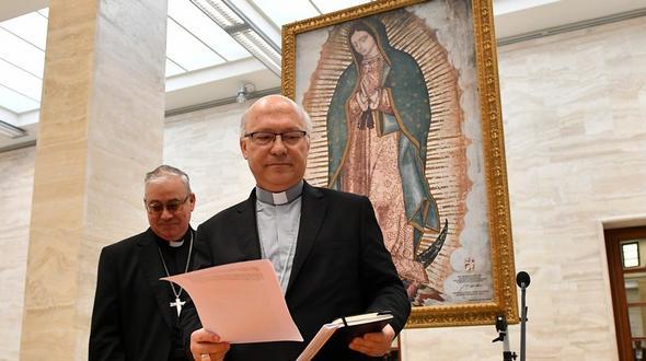 Chile: Nach Missbrauchsskandal treten Bischöfe zurück