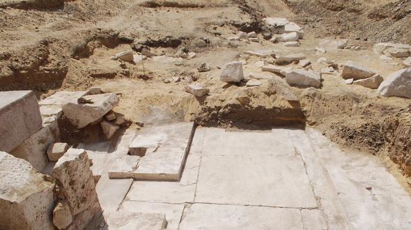 Sensationsfund: Reste 4000 Jahre alter Pyramide bei Kairo entdeckt
