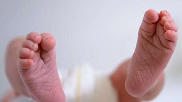 Schwangere bringt Kind an Autobahnraststätte zur Welt