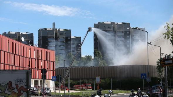 Hunderte Feuerwehrleute im Einsatz gegen Waldbrände