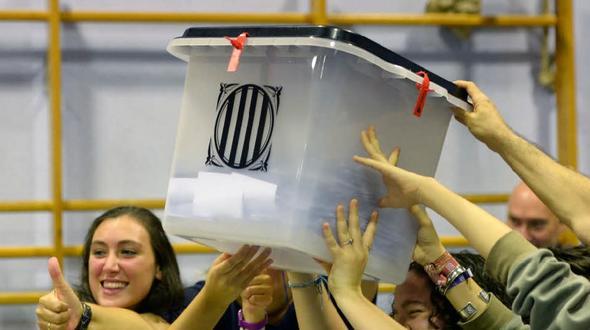 """Spanien: Polizei beschlagnahmt Wahlurnen"""""""