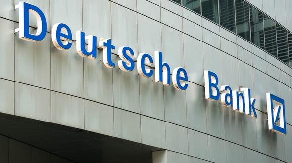 Milliarden-Bonus für Manager Politiker attackieren Deutsche Bank