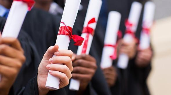 14-Jähriger erhält seinen Uni-Abschluss