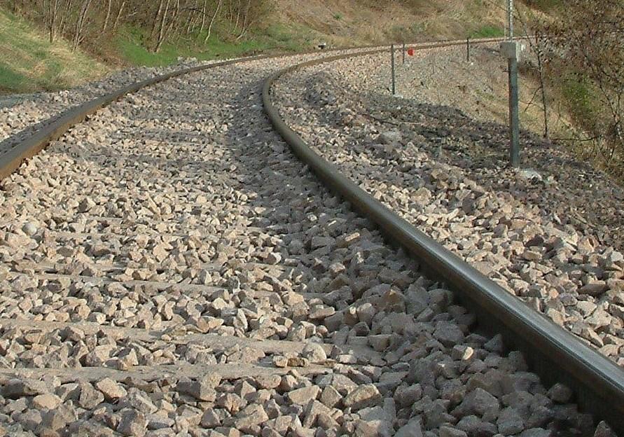 Deutschland: Zug rammt Auto - Mutter und 2 Kinder tot