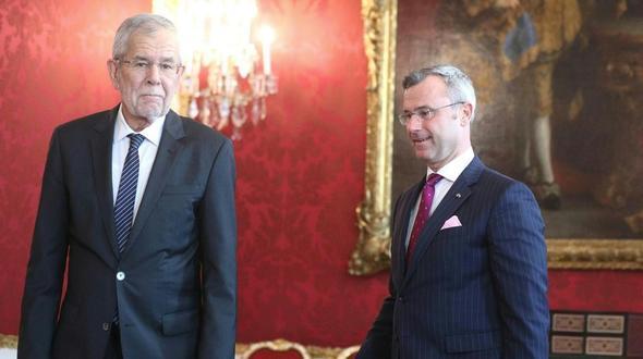 Im Bild: Bundespräsident Alexander Van der Bellen und Norbert Hofer am Montag
