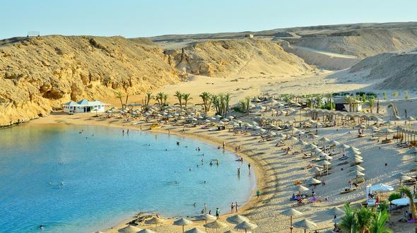 Angreifer in ägyptischen Badeort Touristen mit Messer attackiert