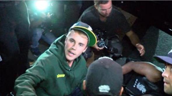 Popstar Justin Bieber fährt Fotografen an und verletzt ihn