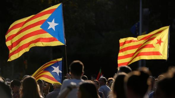 Katalanisches Parlament will ungeachtet eines Verbots am Montag zusammenkommen