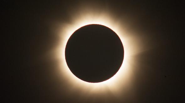 Ringförmige Sonnenfinsternis begeistert Südamerika