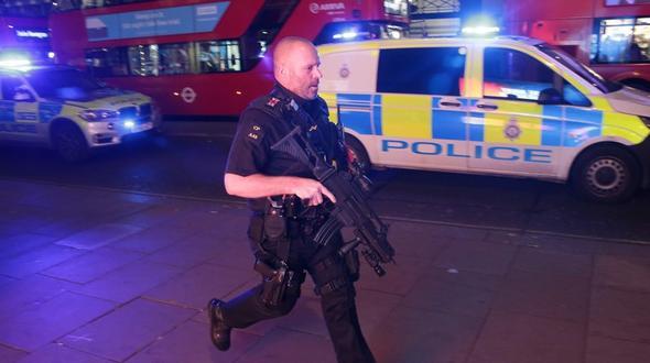 Zwischenfall in London - Augenzeugen berichten von Schüssen
