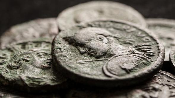 Mann Vergisst Münzen Im Wert Von 30000 Euro