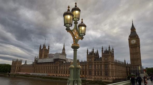 Polizei teilt mit: Messermann vor britischem Parlament festgenommen