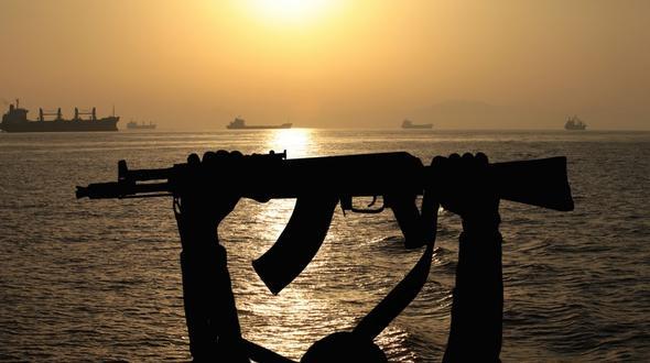 Kamerun : Piraten überfallen deutsches Schiff und entführen acht Seemänner