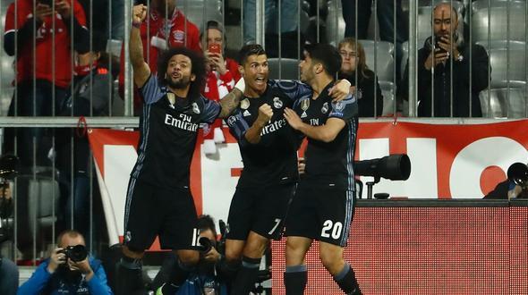 FC Bayern verliert gegen Real: Neuer hält die Hoffnung am Leben