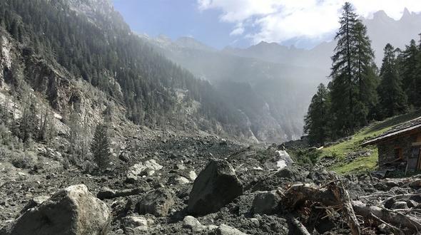 Piz Cengalo kommt nicht zur Ruhe: Erneut Felssturz im bündnerischen Bergell niedergegangen