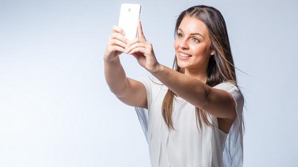 Sri Lanka:Deutsche Touristin stürzt beim Selfie-Machen in den Tod