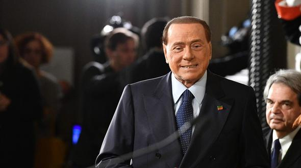 Berlusconi hofft auf politisches Comeback in Meran