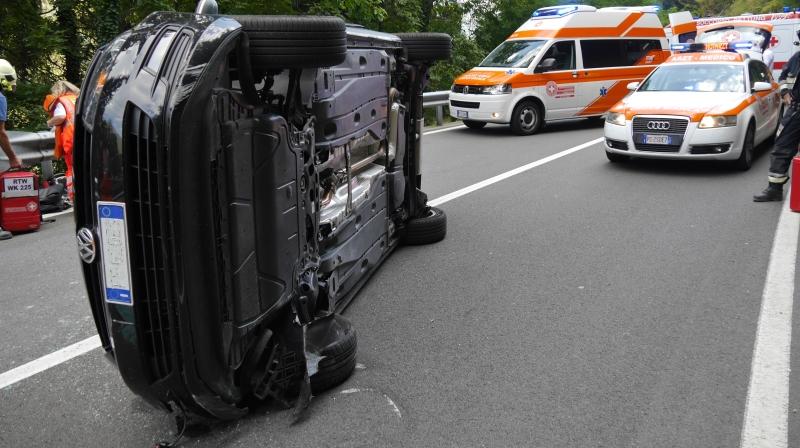Riffian: Auto überschlägt sich - 2 Israeli verletzt