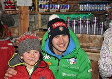 Autogrammstunde mit Dominik Windisch im Bruggerkeller in Antholz