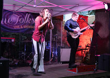 Partschins: Blue Folks rocken die Stachlburg